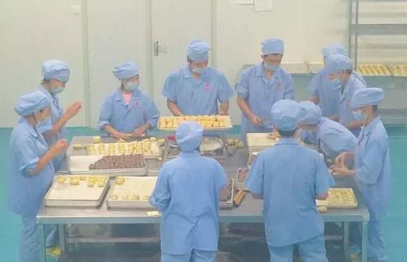 """中国无人烘焙工厂曝光,""""无人""""时代真的来了!"""